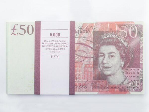50 British pounds prop money stack