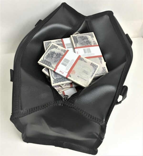 Bag of cash 5000 Japanese yen (100 pcs)