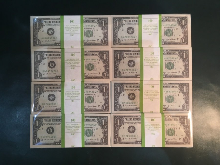 500 prop money packs of 1 US dollars