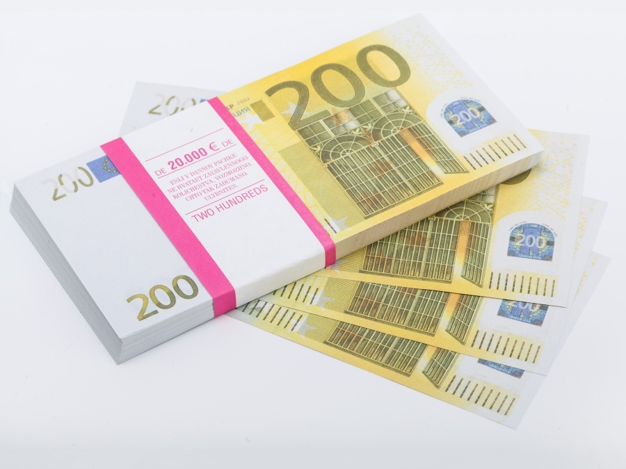 200 Euro prop money stack