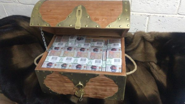 buy 10 British pounds Prop Money Pirate Chest