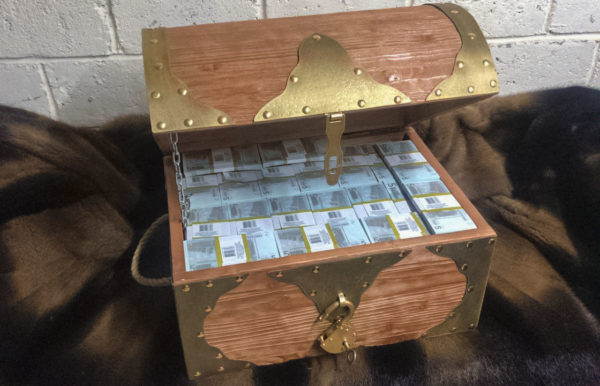 buy 5 euro Prop Money Pirate Chest