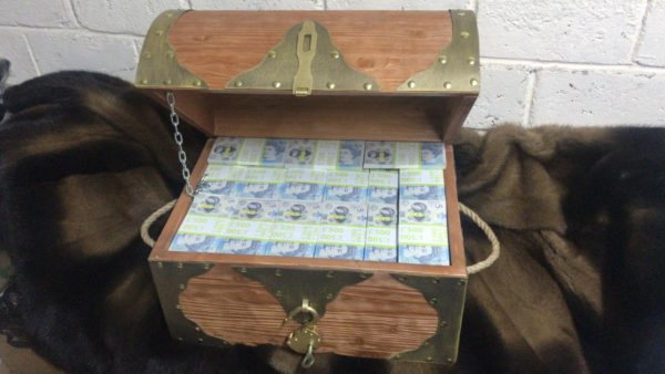 buy 5 British pounds Prop Money Pirate Chest