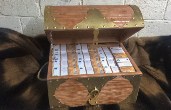 buy 50 euro Prop Money Pirate Chest